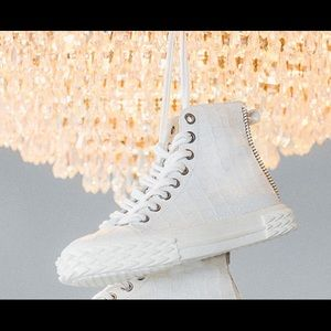 giuseppe zanotti NIB new style white leather hitop
